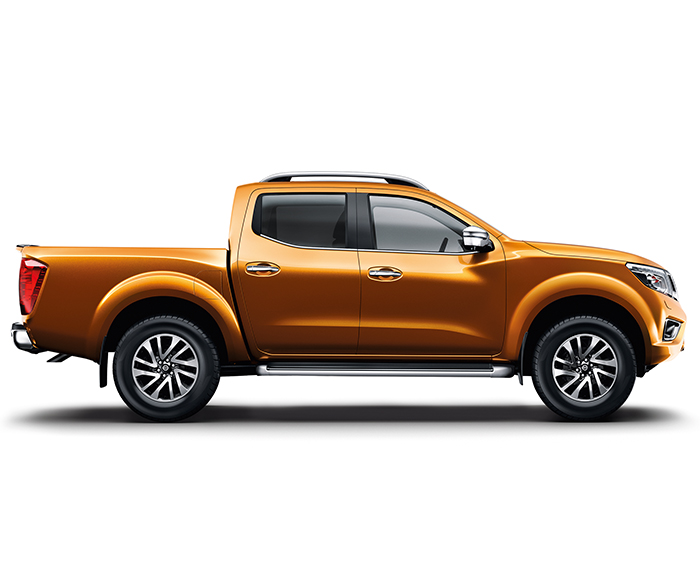Nissan Navara Goldorange