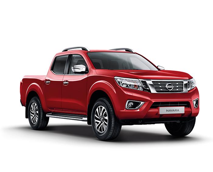 Nissan Navara Red
